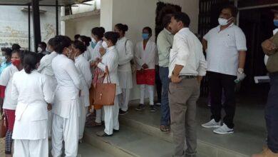 Photo of सिविल सर्जन और DPM की फटकार के बाद काम पर लौटे कोविड कर्मी