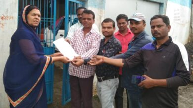 Photo of संयुक्त कर्मचारी संगठन ने मुख्यमंत्री के नाम सौंपा ज्ञापन