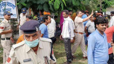 Photo of शहपुरा थाने का घेराव गर्भवती महिला की मौत से गुस्साए परिजनों ने किया घेराव