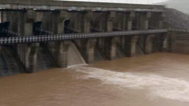 Photo of लगातार जारी बारिश के बीच अधिकारियों ने बिलगड़ा बांध का किया निरीक्षण