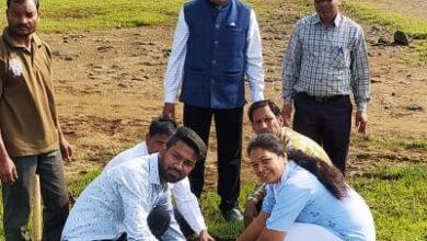 Photo of देवदूत संस्था ने रोपे पौधे, मरीजों को कराया भोजन