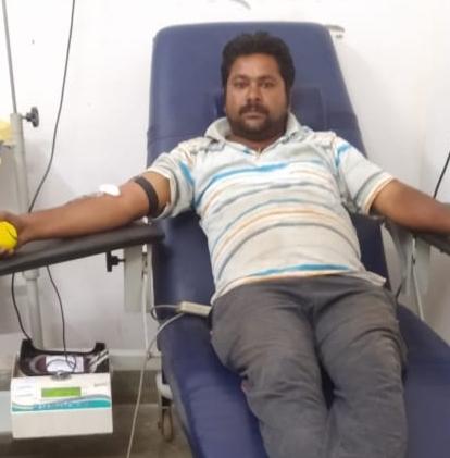 Photo of 25 वीं बार रक्तदान कर निभाया मानवता का फ़र्ज़